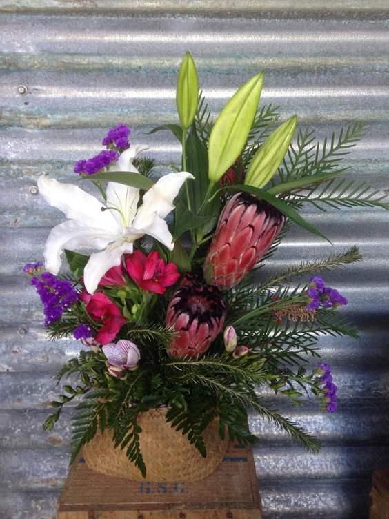 Harakeke Flower Pot